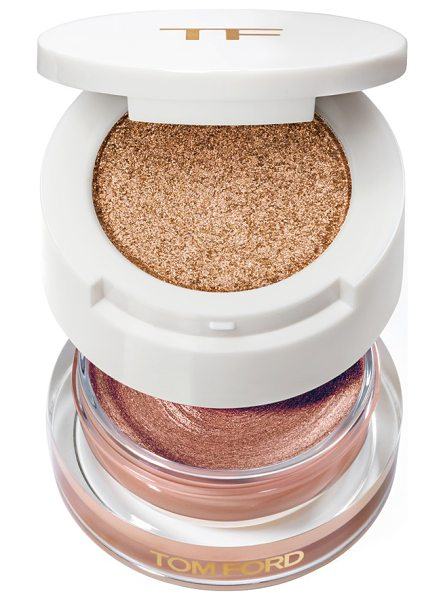 Tom Ford cream & powder eye color duo in golden peach - What it is: A duo that pairs two coveted formulas in one...