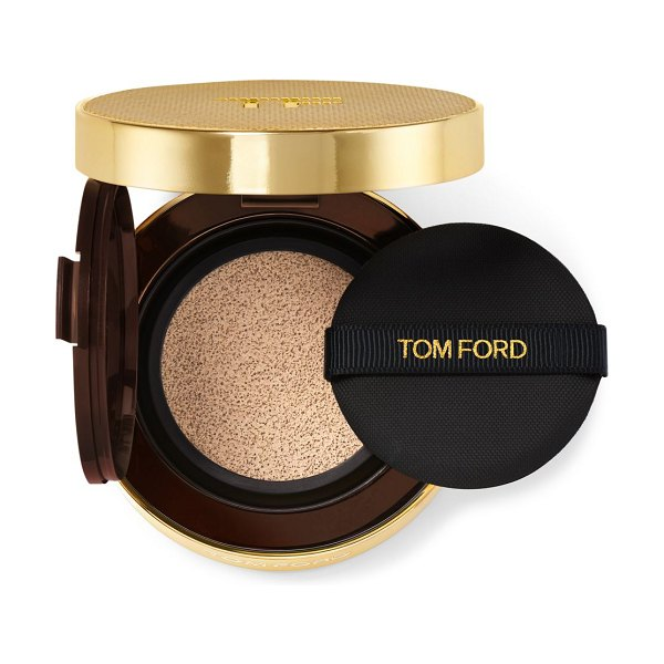 Tom Ford shade and illuminate soft radiance foundation spf 45 cushion compact in nude