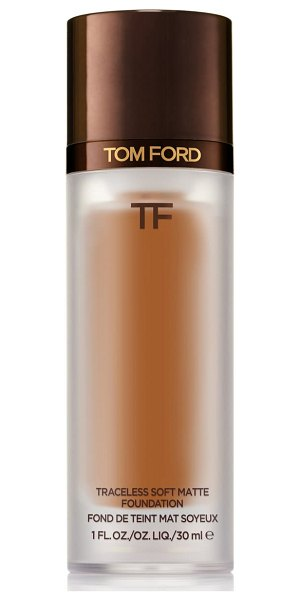 Tom Ford traceless soft matte foundation in 9.5 warm almond
