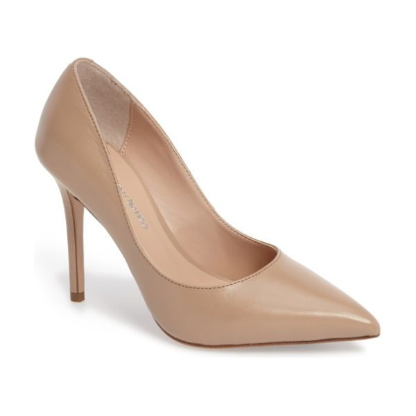 Tony Bianco dova pump in skin capretto - Keep it classic with a perfectly poised pump shaped from...
