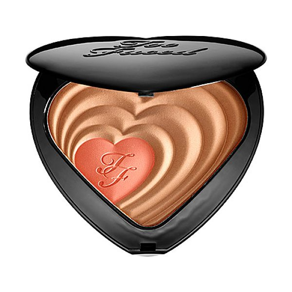 Too Faced soul mates blushing bronzer carrie & big - A bronzer and blush duo that adds warmth, contours, and...