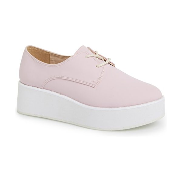 Topshop 'kisser eva' platform sneaker in pink - A bold platform sole amplifies the retro attitude of a...