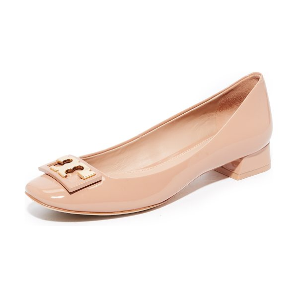 Tory Burch gigi pumps in tory beige - A metallic logo plate adds a signature touch to these...