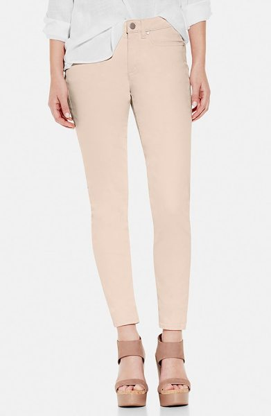 Two by Vince Camuto stretch skinny jeans in tinted rose