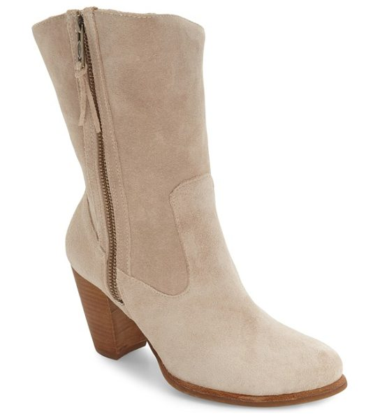 Ugg ugg 'lynda' block heel boot in natural/ natural leather - Minimalist styling and a sleek block heel modernize a...