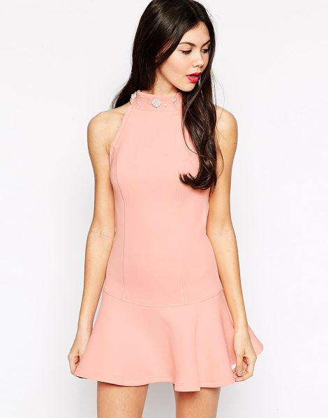Ukulele Faux pearl embellished dress in pink - Evening dress by Ukulele Lightweight scuba High neck to...