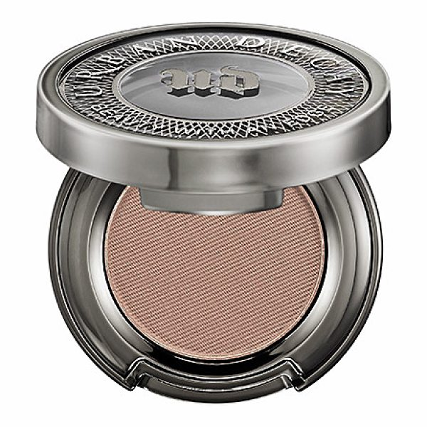 URBAN DECAY Eyeshadow Naked - An innovative eyeshadow that delivers a high-pigment,...