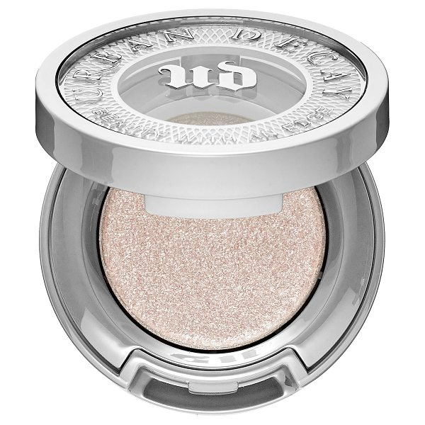 Urban Decay Moondust Eyeshadow Cosmic - A sparkly eyeshadow with a refined and sophisticated...