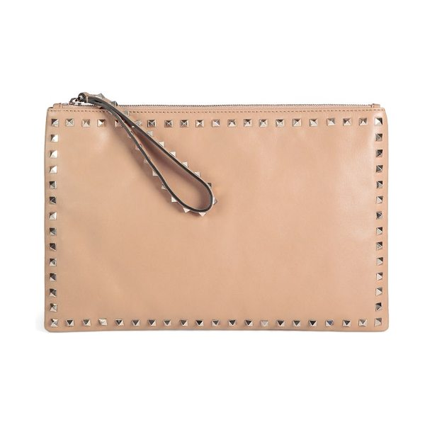 Valentino Rockstud clutch in taupe - An edgy design with modern appeal in supple leather with...