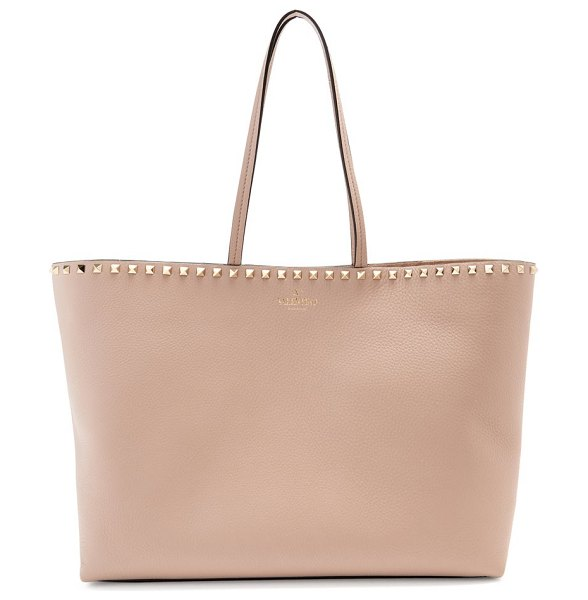 Valentino rockstud leather tote bag in nude