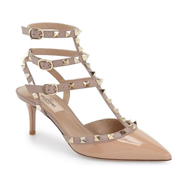 Valentino rockstud pointy toe pump in beige patent - Signature rockstuds glint on the caged triple straps of...