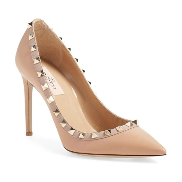 Valentino 'rockstud' pump in beige leather - Gilded pyramid studs add edgy opulence to an iconic...