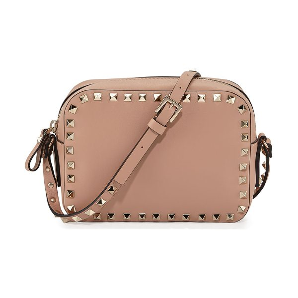 Valentino Rockstud small zip-top camera bag in dark beige - Valentino leather camera bag. Shiny golden hardware....