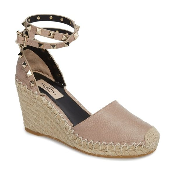 Valentino valentino rockstud espadrille wedge in beige - Signature rockstuds trace the heel and encircle the...