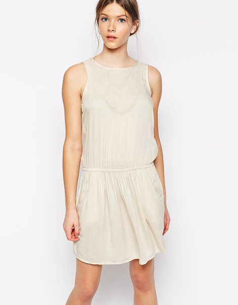 Vero Moda Dress with embroidery in oatmeal - Casual dress by Vero Moda Semi sheer woven fabric Round...