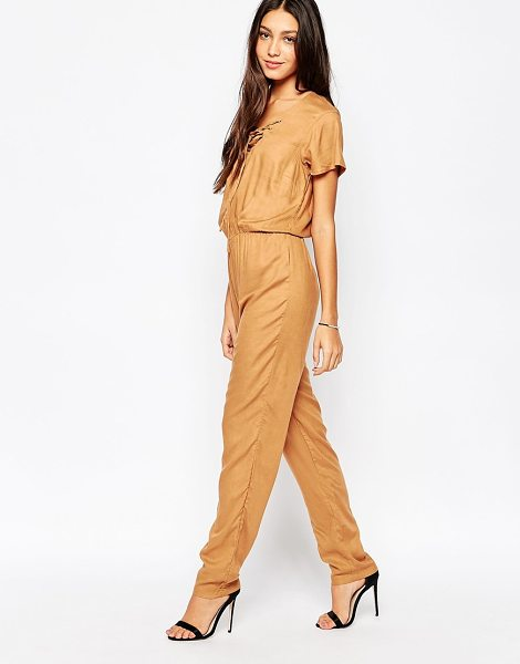 Vero Moda Jumpsuit in tobacco brown - Jumpsuit by Vero Moda Soft-touch, lightweight woven...