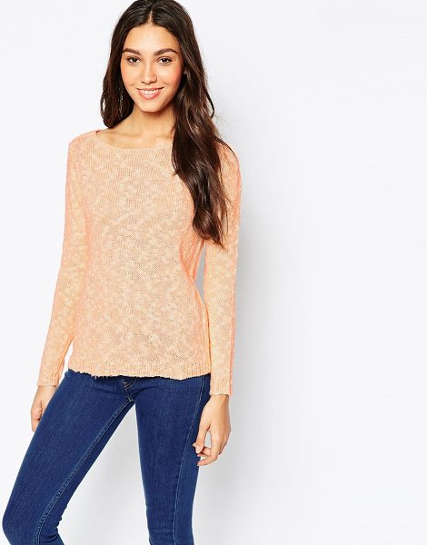 Vero Moda Speckled sweater in peach - Sweater by Vero Moda Soft, mid-weight textured knit...