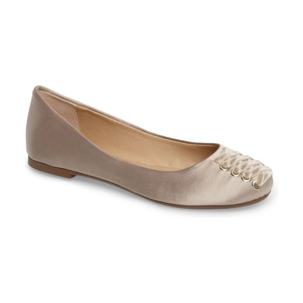 Very Volatile devs corset flat in champagne - Velvety laces cinch up the rounded toe of a pretty...