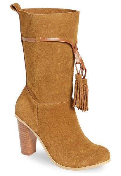 Very Volatile kisa tassel boot in tan leather - A slender strap and a pair of lush tassels add bohemian...