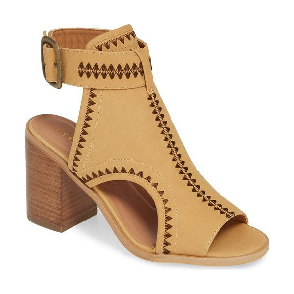 Very Volatile yankee embroidered shield sandal in brown