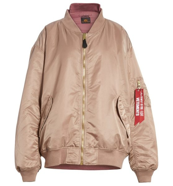 VETEMENTS x alpha industries reversible bomber jacket in rose pink - Designed in collaboration with Alpha Industries, this...