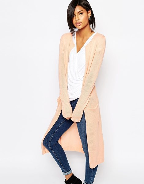 Vila Longline pocket cardigan in pink - Cardigan by Vila Soft-touch knit Open front Functioning...