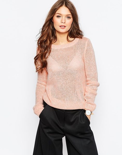 Vila Round neck sweater in apricot - Sweater by Vila Lightweight soft-touch knit Round...