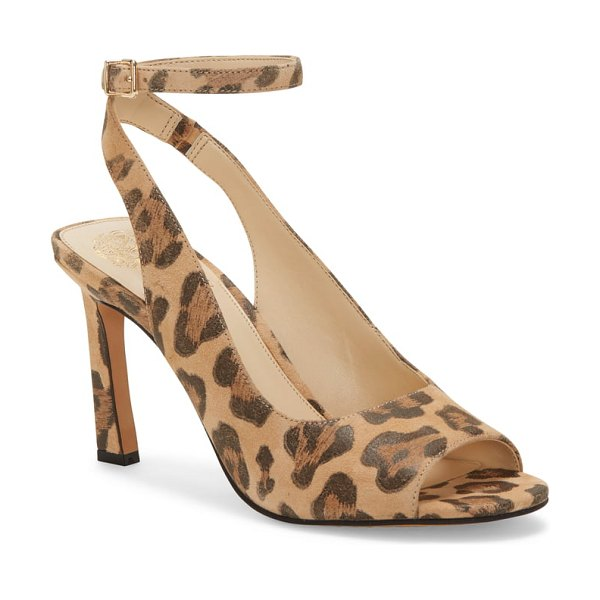 Vince Camuto reteema pump in brown