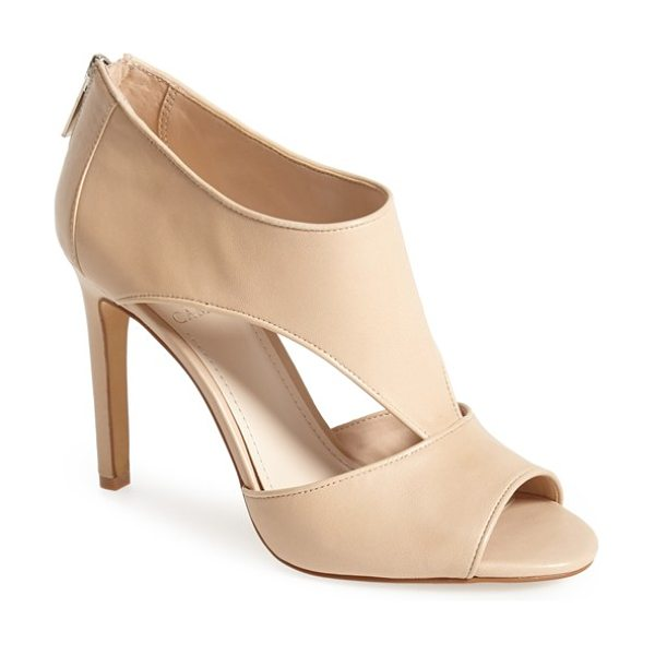Vince Camuto seena leather sandal in petal