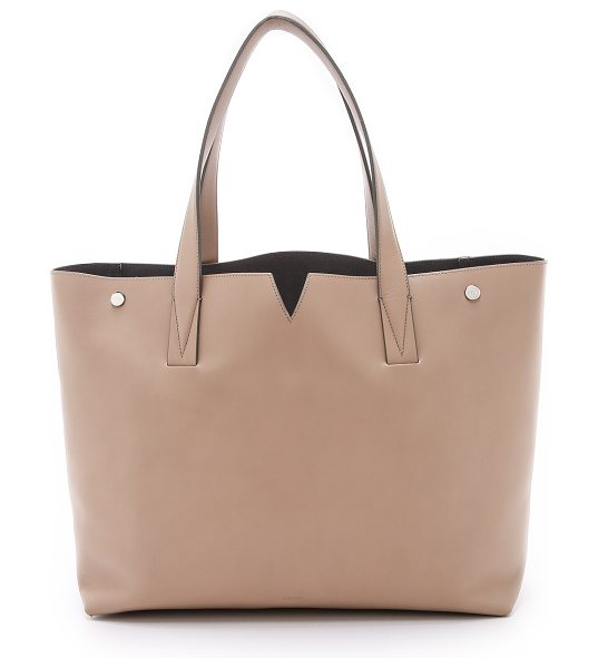 Vince Medium tote in nude - A supple Vince leather tote with a polished hardware and...