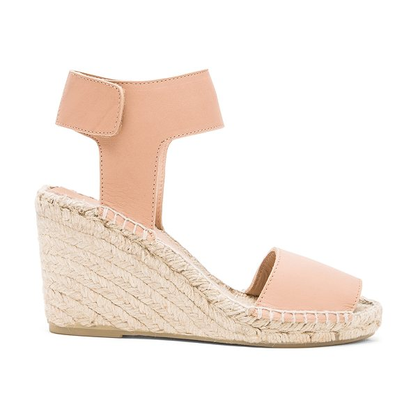 Vince Sophie sandal in beige - Leather upper with jute and rubber sole. Wedge measures...