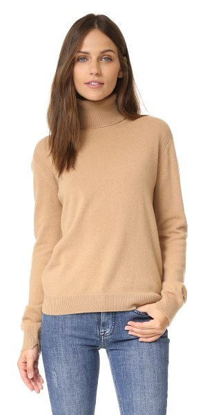 Vince cashmere turtleneck sweater in camel - Ribbed trim cuts along the side seams on this slouchy...