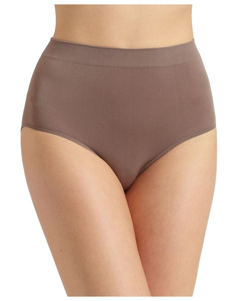 Wacoal b-smooth brief in cappuccino
