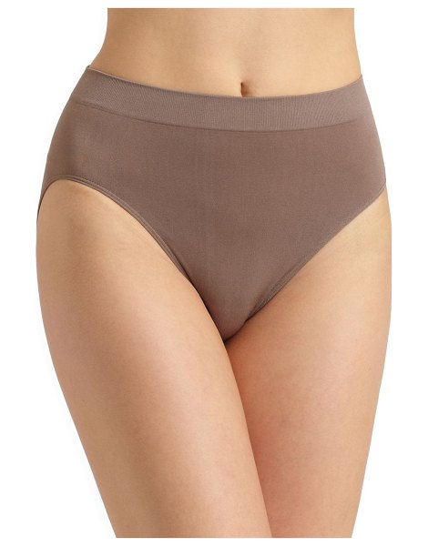 Wacoal b-smooth hi-cut brief in cappuccino