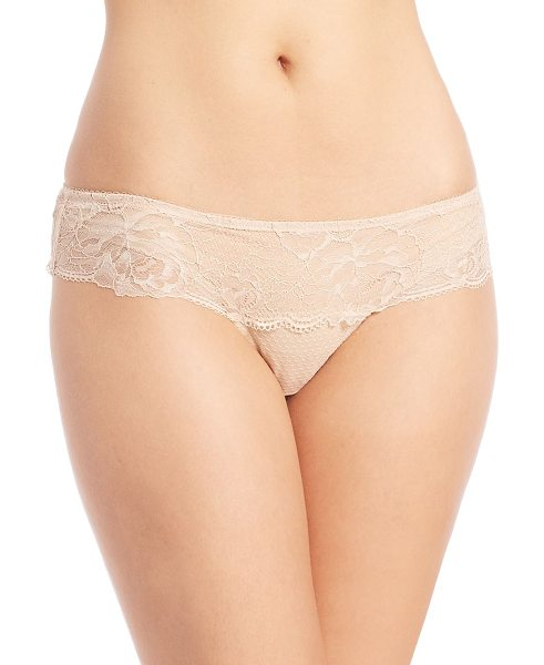 Wacoal so sophisticated hipster in sand - Low-rise hipster style in feminine floral lace....