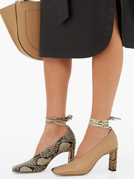 WANDLER isa two-tone square-toe leather pumps in beige multi