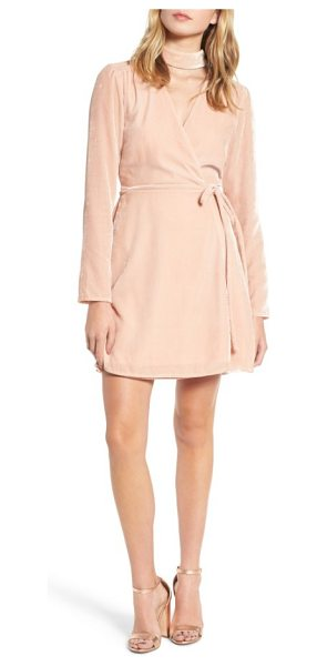 Wayf elroy choker collar wrap dress in blush solid velvet - Lustrous velour and wrap styling spin a cool retro vibe...