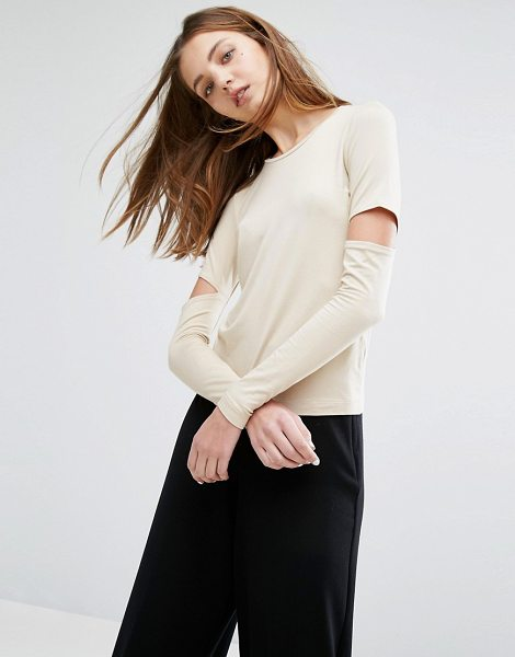 WEEKDAY Cut out Sleeve Top in beige - Top by Weekday, Smooth stretch jersey, Scoop-neck,...