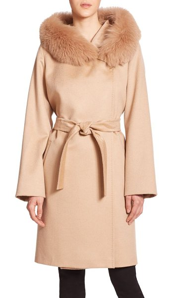 Weekend Max Mara Lallo fur-trimmed cashmere coat in camel - Lush fox fur heightens the elegance and warmth of this...