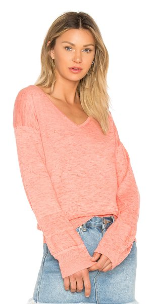 White + Warren V Neck Sweater in pink - Cashmere blend. Dry clean only. Knit fabric. WWAR-WK151....