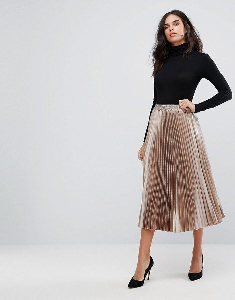 Y.a.s Metallic Pleated Skirt in gold - Skirt by Y.A.S, Lightly pleated fabric, Mid-rise,...