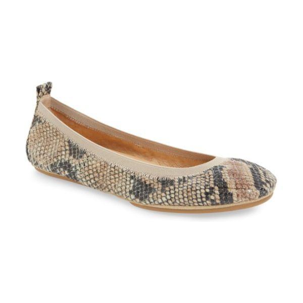 Yosi Samra samara 2.0 foldable ballet flat in beige leather - An elastic topline perfects the fit of an essential...
