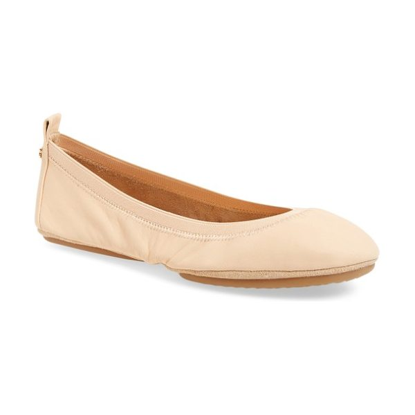 Yosi Samra samara foldable ballet flat in nude leather - An elastic topline perfects the fit of a glossy patent...