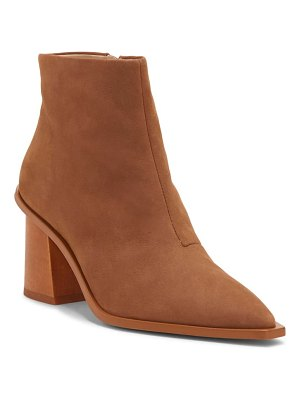 1.State kelte pointy toe bootie