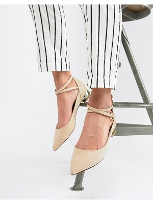 ALDO flat point shoe with metal heel