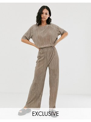 Another Reason relaxed pants in plisse two-piece-beige