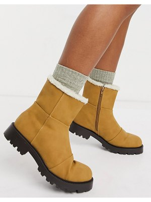 ASOS DESIGN arlo pull on boots with borg lining in sand-beige