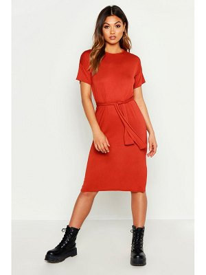 Boohoo Belted Split Midi T Shirt Dress