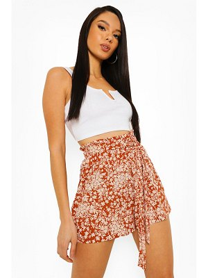 Boohoo Floral Belted Flippy Shorts