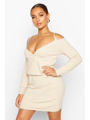 Boohoo Knitted Off The Shoulder Cropped Mini Set